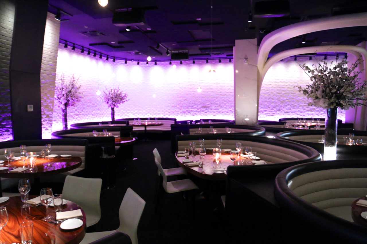 toronto-restaurants-stk-steakhouse-yorkville-booths